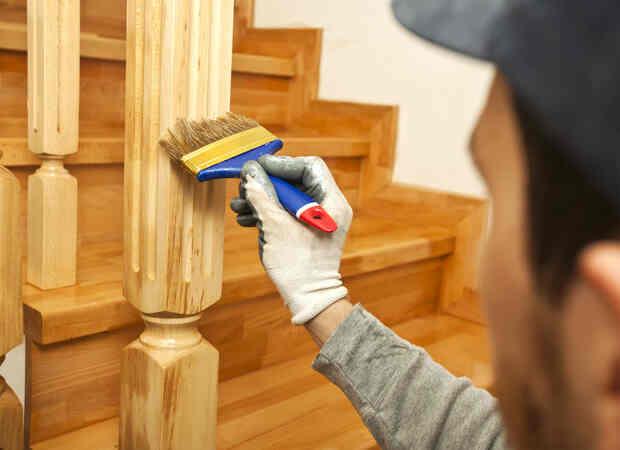 Cómo pintar un mueble de madera