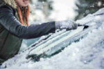 4 trucos para quitar el hielo del parabrisas del coche
