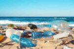 Los cinco objetos de plástico que inundan nuestras costas